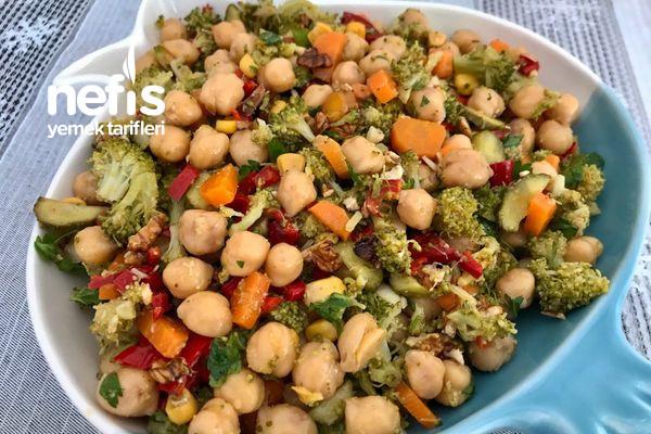 Nohutlu Brokoli Salatası