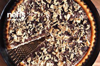 Vanilyalı-Altın Karamel Çikolatalı Tart Kek Tarifi