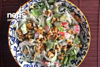 Tavuklu Erişteli Salata Tarifi