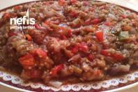 Közlenmiş Patlıcan Kırmızı Biber Salatası